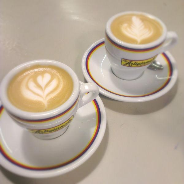 カフェのカプチーノアート_