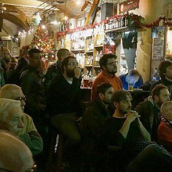 イタリア人のサッカー観戦はバールで盛り上がる