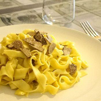 (2)白トリュフといえばこの料理Tagliatelle al Tartufo Bianco