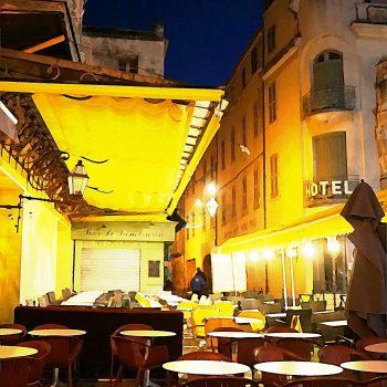 南フランスの旅(4)ゴッホの夜のカフェテラス