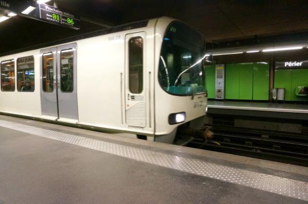 マルセイユの地下鉄。表示も見やすく乗りやすい。