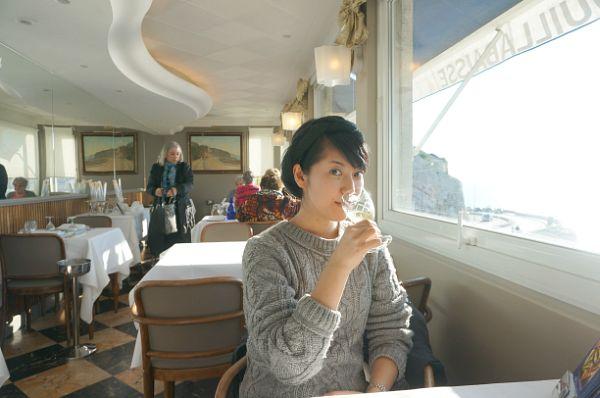 イタリアもフランスもワインが美味しい!海の景色を眺めながらだとよりいっそう美味しく感じます!