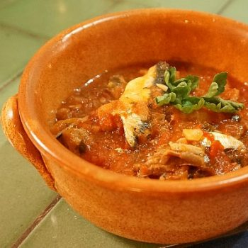あともう一品に便利な簡単イワシのトマトスープ Zuppa di Acciughe