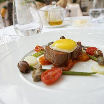 """ミシュラン星つきレストラン""""Il Palagio""""(フォーシーズンズホテル内)でディナー"""