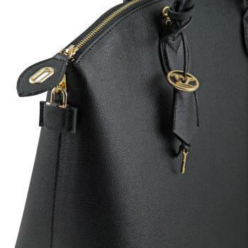 高級ブランドがこぞって使う素材、サフィアーノ・レザーの魅力