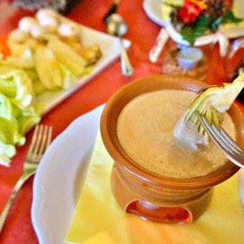 北イタリアの旅(3)バーニャ・カウダ、本場ピエモンテ州で食べる味は?