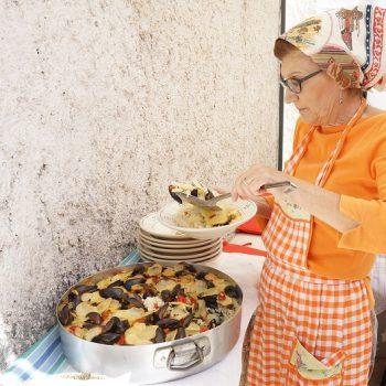 フリーマガジン「イタリア好き」の【マンマのレシピ】担当、初回はプーリア料理3
