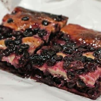 今が旬、トスカーナの伝統菓子「ブドウのスキアッチャータ」
