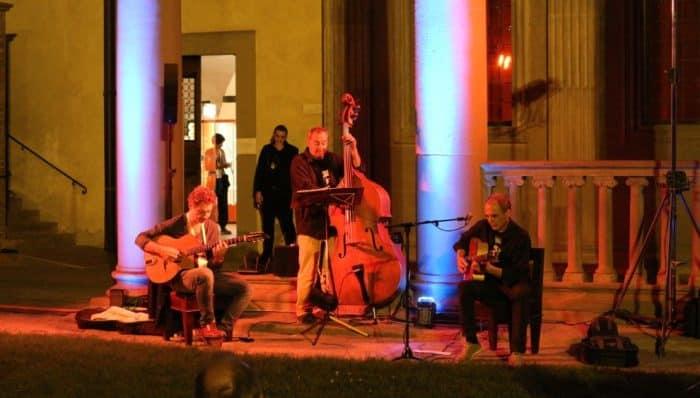 普段入れない夜のサンタクローチェ教会でコンサート
