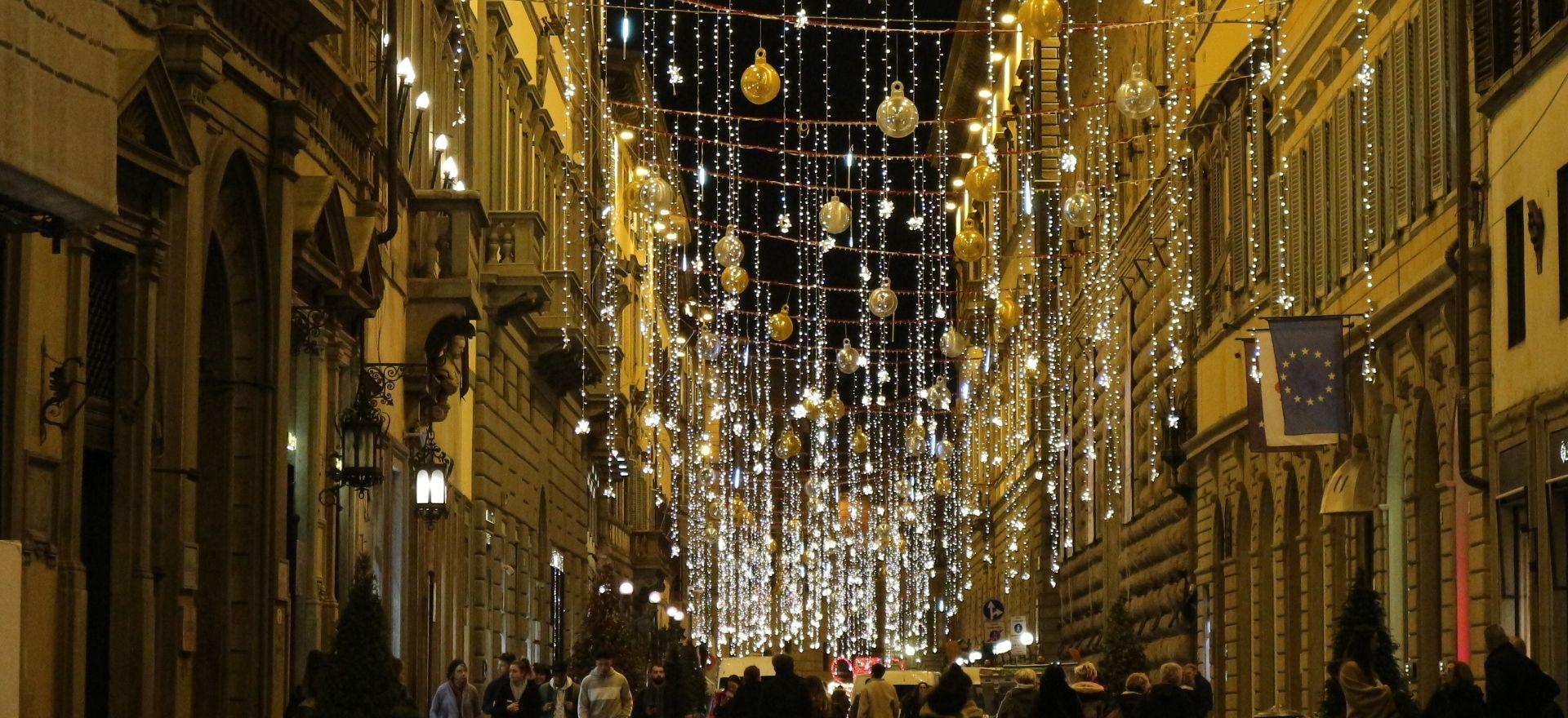 フィレンツェのクリスマスイルミネーション2019