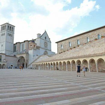 二度目のイタリア、次に行くならこんな街Vol.3、聖堂内の美しさに引き込まれるアッシジとスポレート