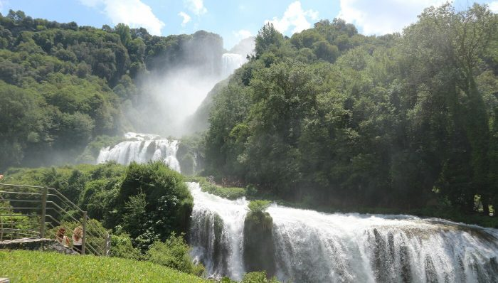 二度目のイタリア、次に行くならこんな街Vol.4、世界一の高さを誇る〇〇の滝?!マルモレの滝で避暑