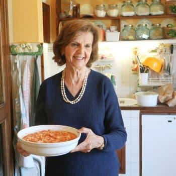 イタリアのマンマが作ってくれた、濃厚トロットロな「フィレンツェ風トリッパ煮込み」